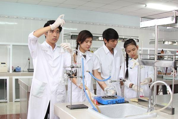 Học văn bằng 2 ngành Dược